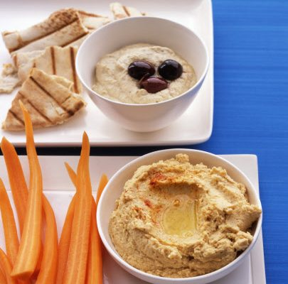 Hummus with Carrot and pitta