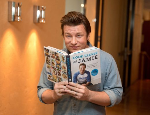 Jamie Oliver presents new cookbook