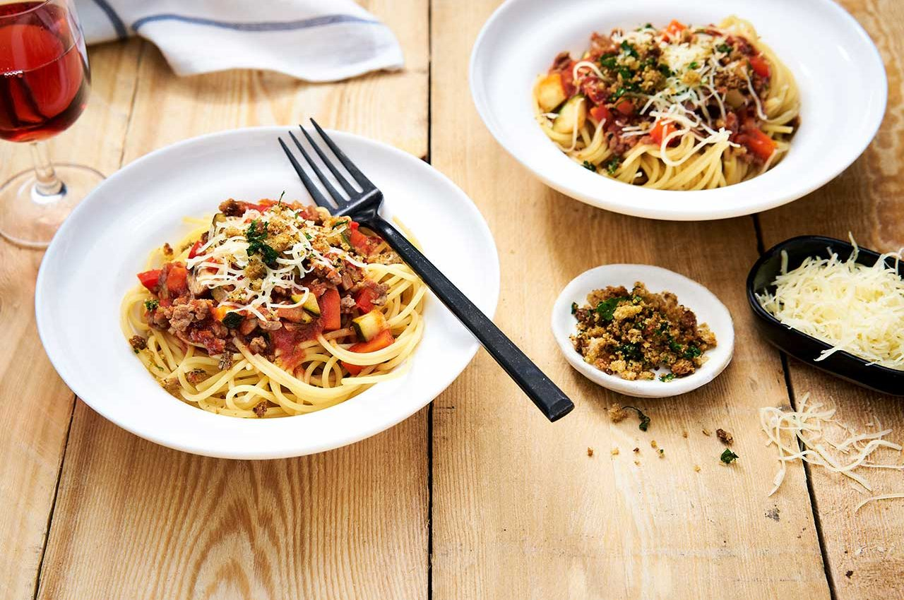 Spaghetti_bolognese_crunchy_topping_W7_1